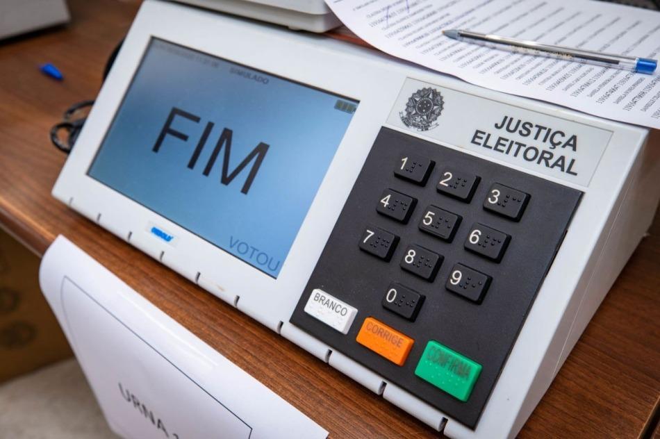 Imagem de uma urna eleitoral.